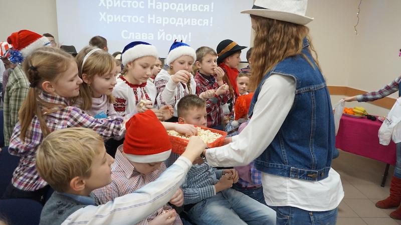 ТНЦ УСПІХ_22.12.16_Новорічна зустріч_старші групи (13)