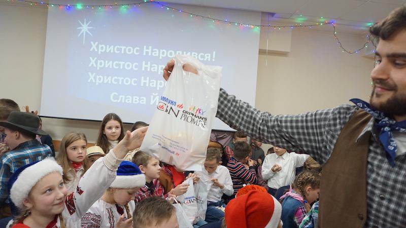 ТНЦ УСПІХ_22.12.16_Новорічна зустріч_старші групи (15)